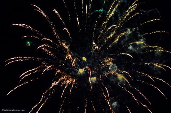 Lafayette Fireworks over Waneka Lake July 4, 2016