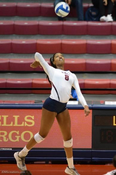 08-Jamie-Lea-LMU volleyball vs. UCLA AUg. 27, 2016
