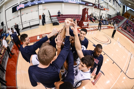 Team Huddle LMU men's basketball vs. Incarnate Word Dec. 17, 2016