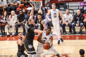 Kelvin Amayo LMU men's basketball vs. No. 1 Gonzaga Feb. 9, 2017