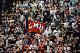 LMU Flag Students Crowd Cage LMU men's basketball vs. No. 1 Gonzaga Feb. 9, 2017