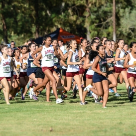 Danielle Shanahan settles in the middle of the pack.