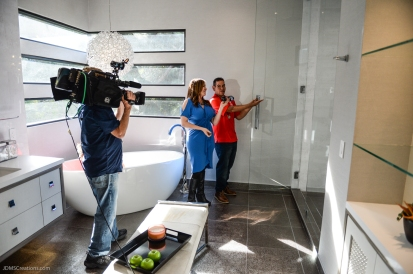 Gerardo De La Cerda with KTLA Erin Myers in final segment in master bath SoCal Dream House Raffle Media Day - Hollywood Hills - Jan. 29, 2018
